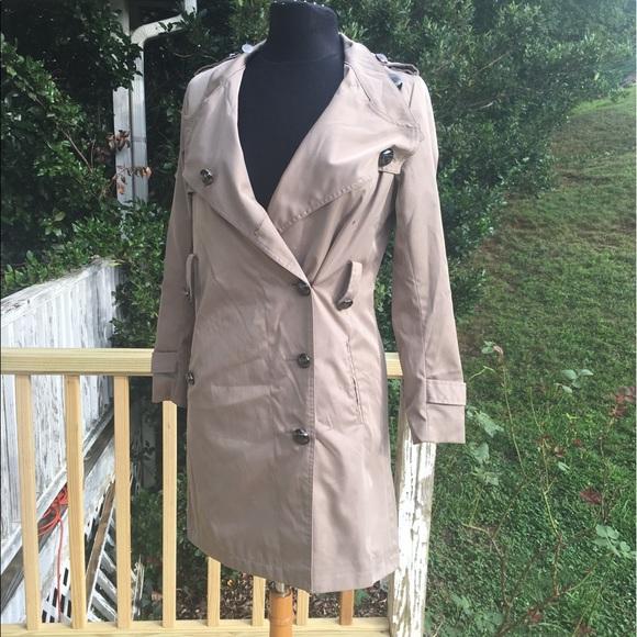 Burberry Jackets & Blazers - BURBERRY Kensington Trench Coat.